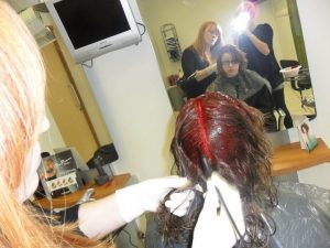 applyin red colour to hair stage 3