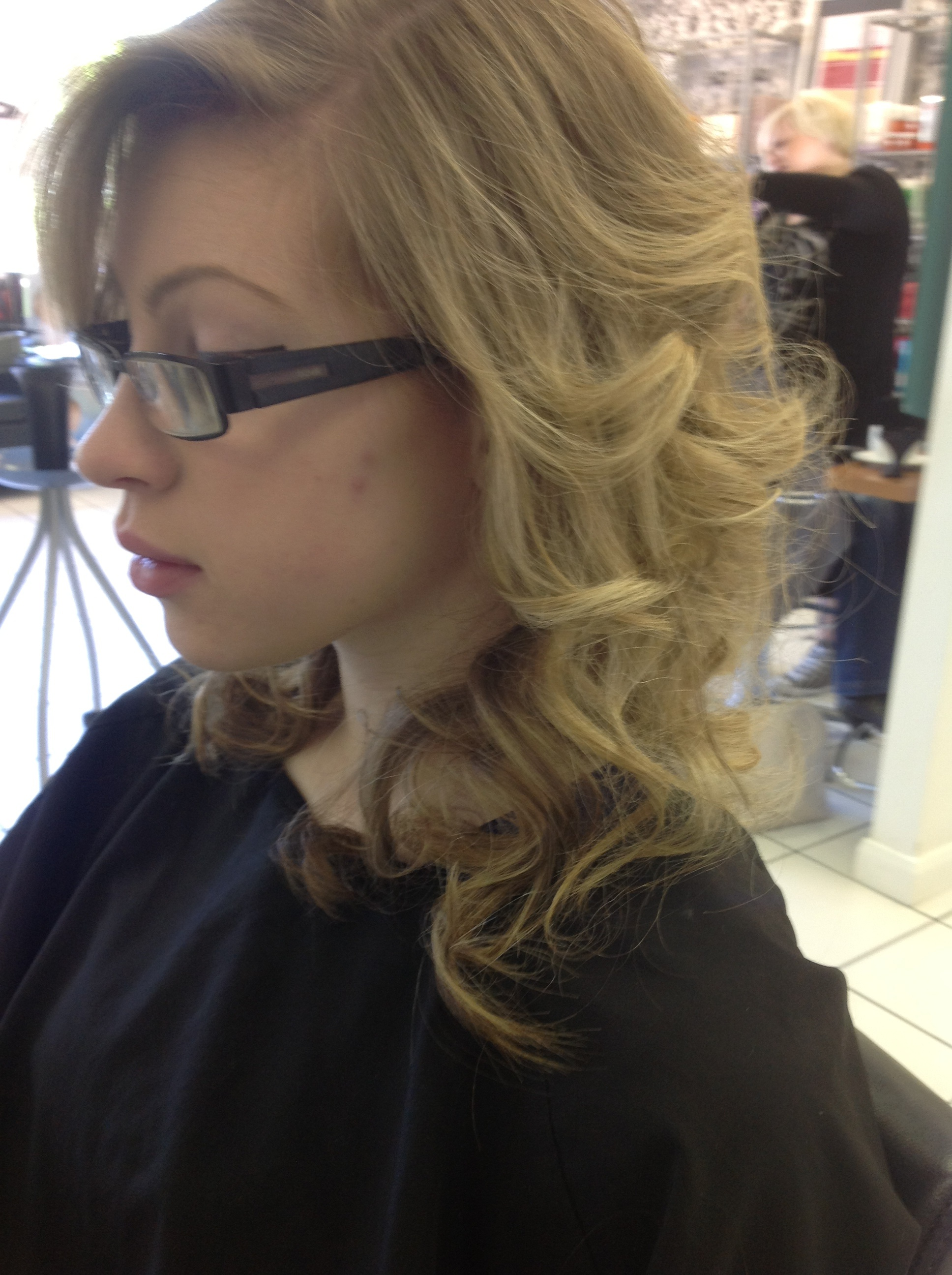 Prom Curly Hair Style on Blonde Hair